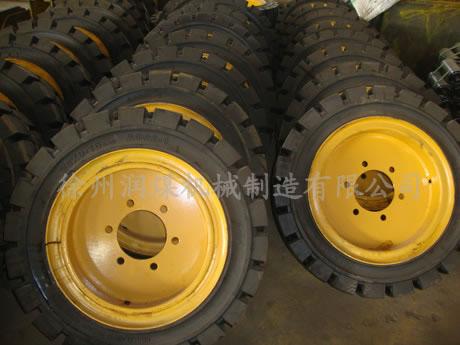 轮式扒渣机轮胎